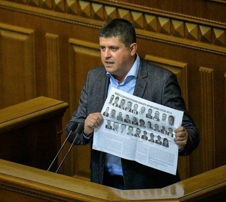 Хто з депутатів Чернівецької міськради залишився вірним своїй гідності - Максим Бурбак